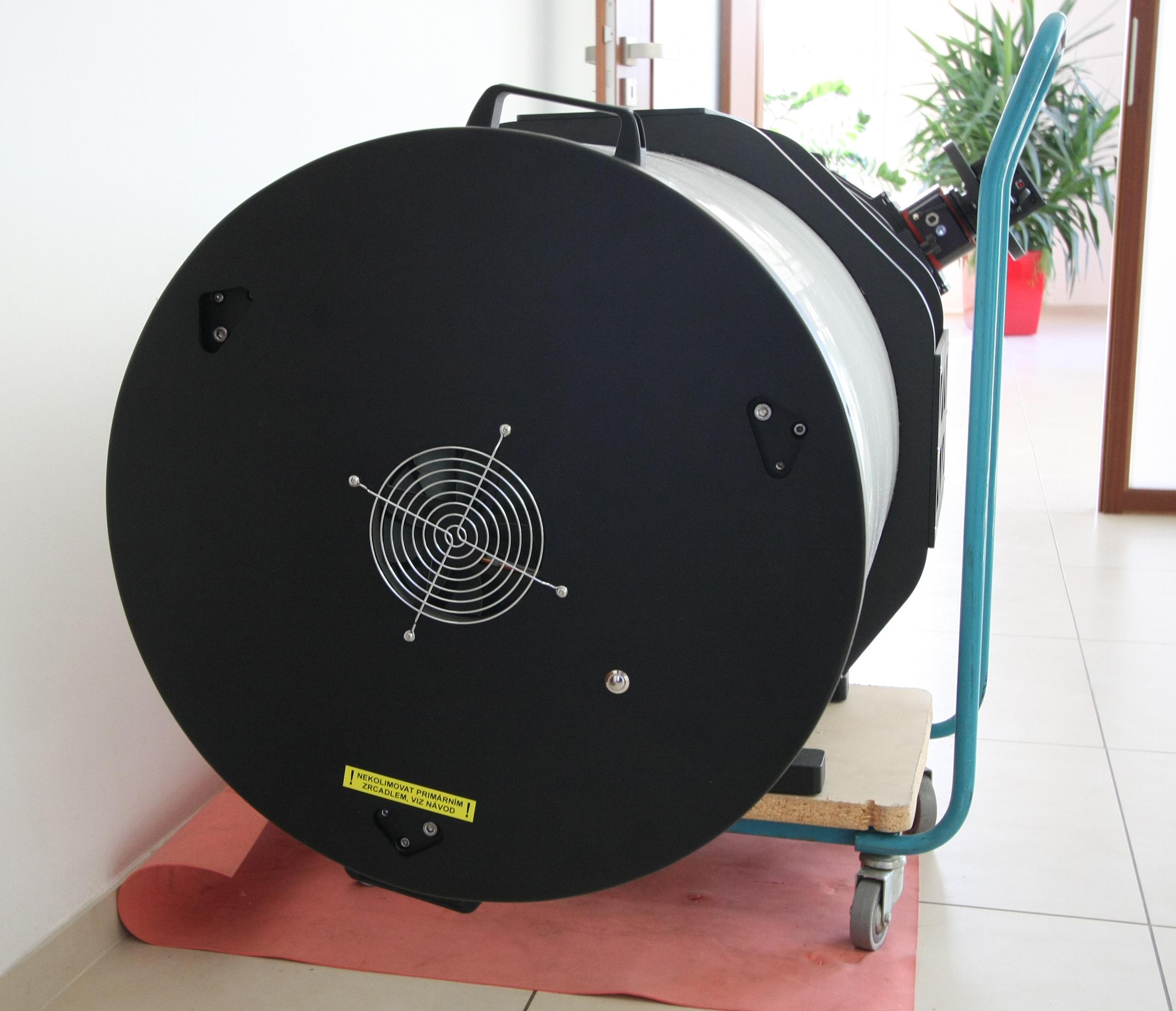 zadní kryt tubusu s ventilátorem