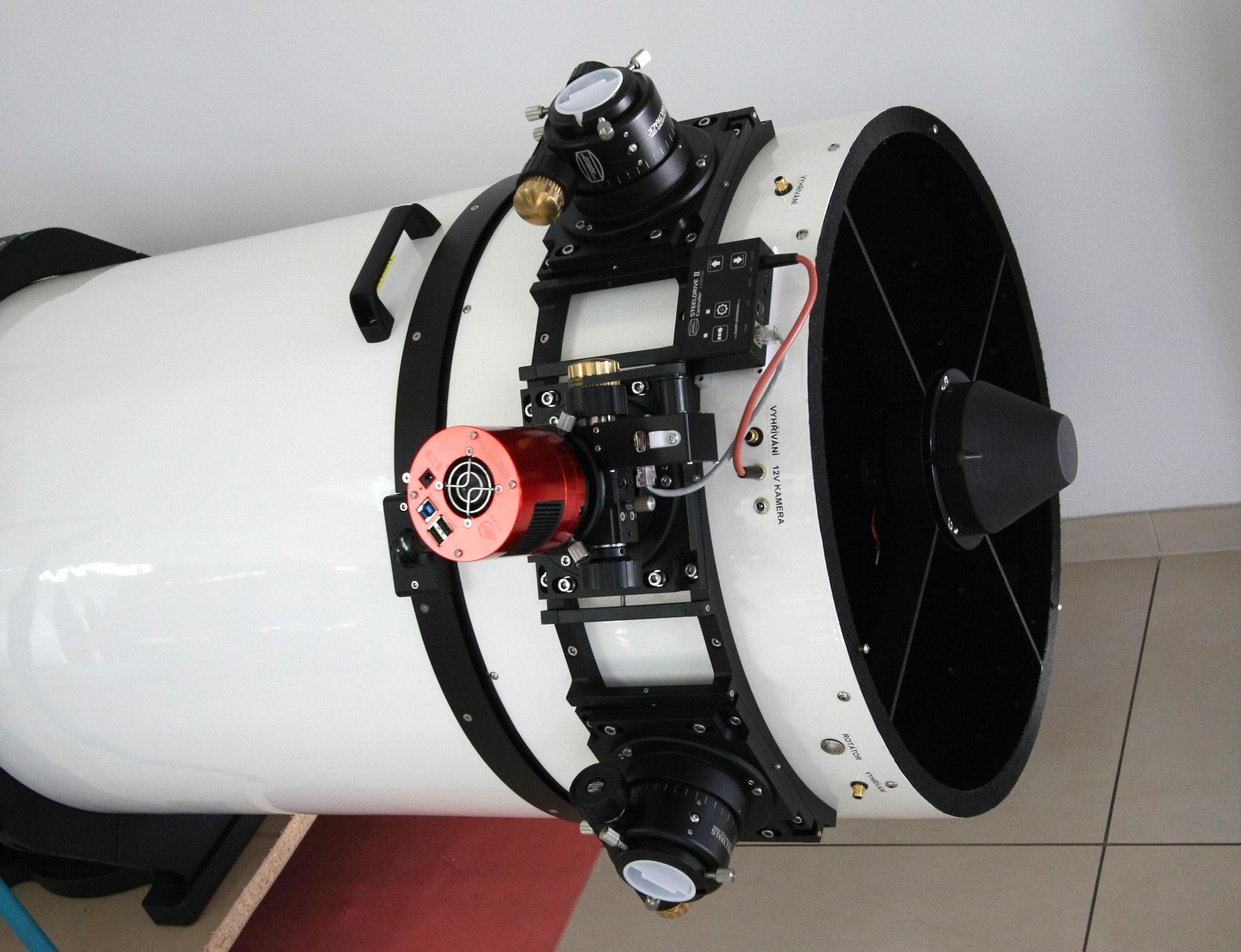 přední otočný díl tubusu, ASI 071 + dva volné výtahy