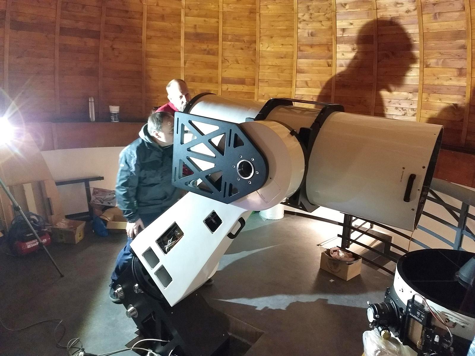 začínáme věšet dalekohledy
